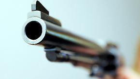 Streit ums Waffengesetz: Amoklauf entzweit US-Bevölkerung