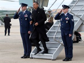 Haushalt statt Hawaii: Barack Obama eilt nach Washington.