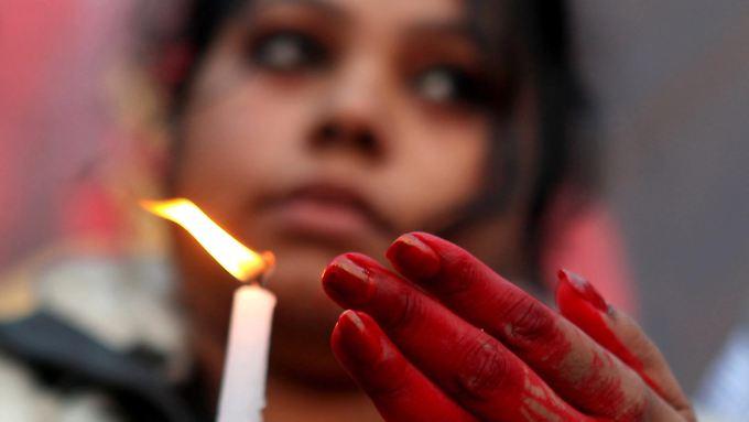 """Indien steht unter Schock. Die Frage der Stunde heißt: """"Wie wird die Jugend des Landes reagieren."""""""