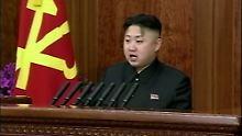 """Nur hohle Phrasen? Kim Jong Un kündigt eine """"radikale Wende"""" in der Wirtschaftspolitik an."""
