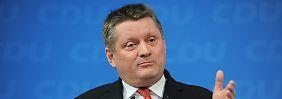 """Der Generalsekretär der Christdemokraten, Gröhe, sagt: """"Die Steuererhöhungsorgien von SPD und Grünen sind ein Arbeitsplatzvernichtungsprogramm und für die CDU unvorstellbar"""""""