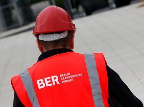 Eine Baustelle, die schlechte Laune macht: Berlin Brandenburg macht wohl sehr viel später auf.