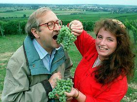 Wein und Weinköniginnen: Brüderle machte noch nie ein Geheimnis daraus, dass er ein Genussmensch ist.