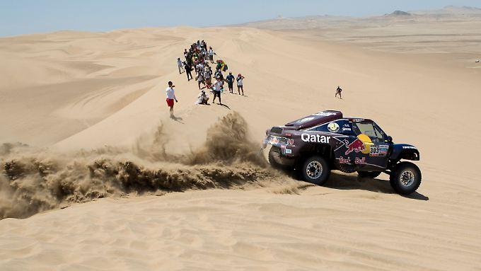 Erst auf Irrfahrt, jetzt wieder in Führung bei der Dakar: Rallye-Pilot Carlos Sainz.