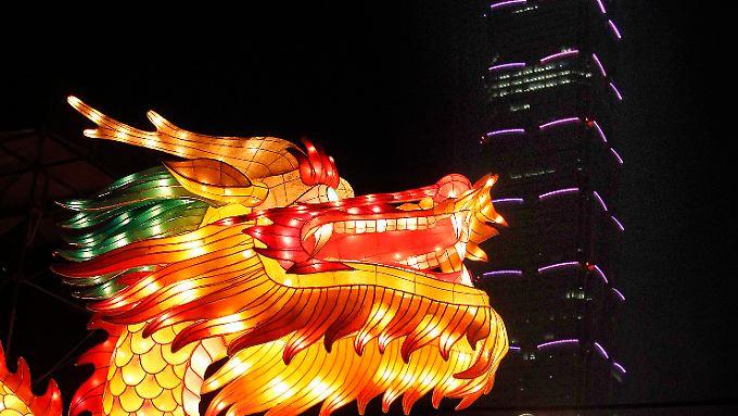 Der Drache spuckt wieder Feuer: Chinas Wirtschaft gewinnt an Fahrt.