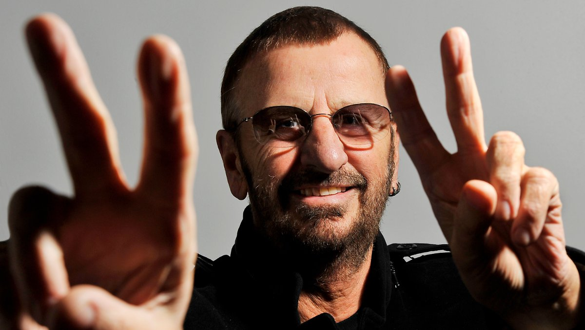 er genie t das leben ringo starr feiert seinen 70 n. Black Bedroom Furniture Sets. Home Design Ideas