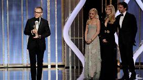"""Christoph Waltz bekam den ersten Preis der Nacht. In dem Western """"Django Unchained"""" spielt Waltz einen Kopfgeldjäger."""
