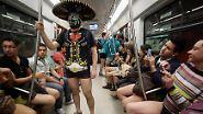 """""""No Pants Subway Ride 2013"""": Unten ohne im Untergrund"""