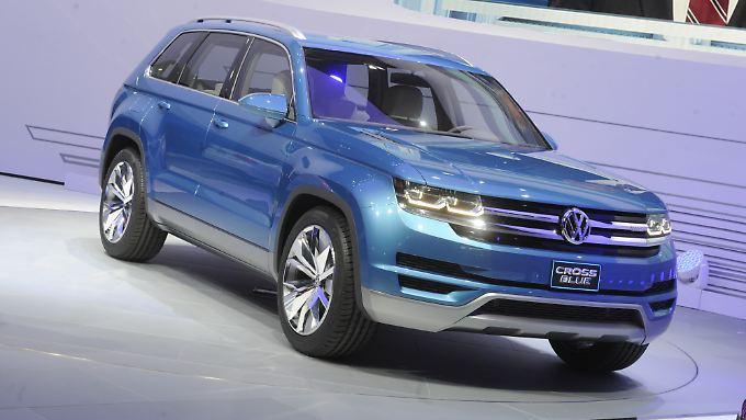 Mit fünf Metern ist die Studie CrossBlue länger als der VW Touareg.