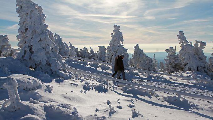 Herrliches Winterwetter lockt viele Besucher auf den Brocken.