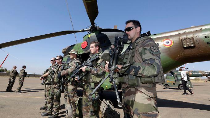 2150 französische Soldaten kämpfen derzeit an der Seite malischer Truppen gegen islamistische Rebellen im Norden des westafrikanischen Landes.