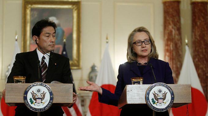 Japans Außenminister Funio Kishida besprach sich mit US-Ministerin Hillary Clinton.