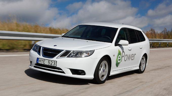 Bereits auf dem Pariser Autosalon 2010 zeigte Saab die Studie eines 9-3 als Elektroauto.