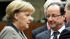 Zu Sarkozy hatte Kanzlerin Merkel ein gutes Verhältnis, an Hollande muss sie sich noch gewöhnen.
