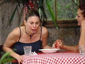 Auch Claudelle Deckert hat ganz schön zu beißen.
