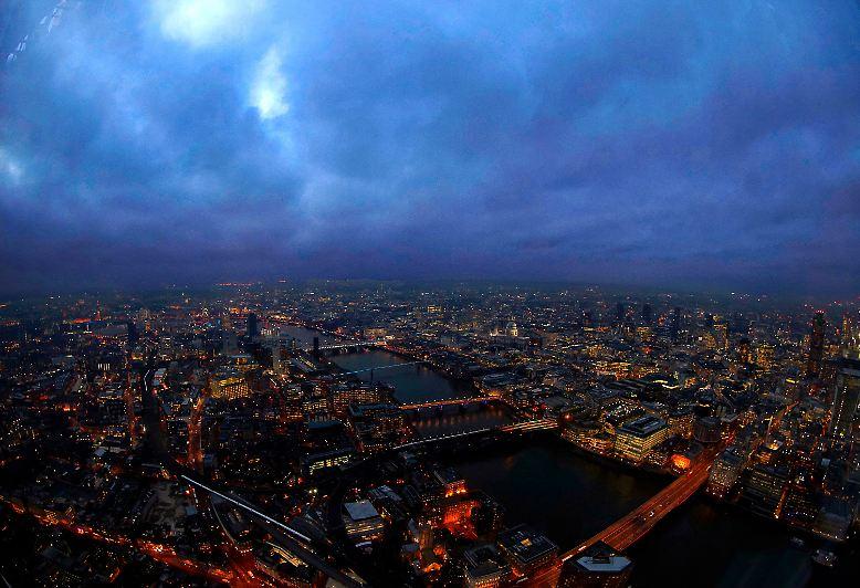 London feiert wieder mal eine spektakuläre Eröffnung.