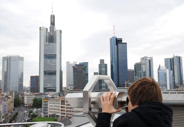 14 deutsche Banken ging es an den Kragen. In umfangreichen Tests und Szenarioberechnungen mussten sie zeigen, welche Auswirkungen deutliche Verschlechterungen der Lage an den Finanzmärkten auf ihre Stabilität haben. Einzig die Hypo Real Estate hat den Belastungstest nicht bestanden. Doch auch die Ergebnisse der übrigen Finanzhäuser ist aufschlussreich.