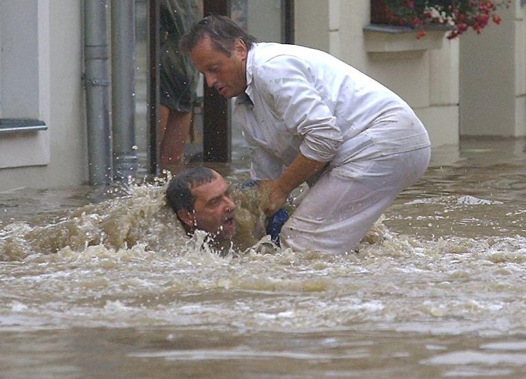 Grimma am 13. August 2002: Die 30.000 Einwohner zählende Stadt im Landkreis Leipzig wird von gewaltigen Fluten überrollt.