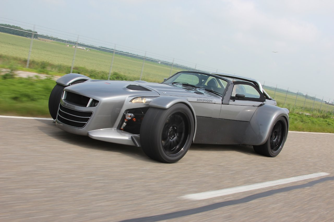 donkervoort d8 gto es gibt den fliegenden holl nder n. Black Bedroom Furniture Sets. Home Design Ideas