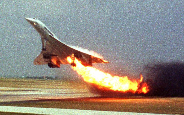 Der Feuerball über Gonesse kündete einen der tragischsten Momente in Frankreichs Luftfahrtgeschichte an: Die Concorde ist noch keine Minute in der Luft, da steht sie schon in Flammen.