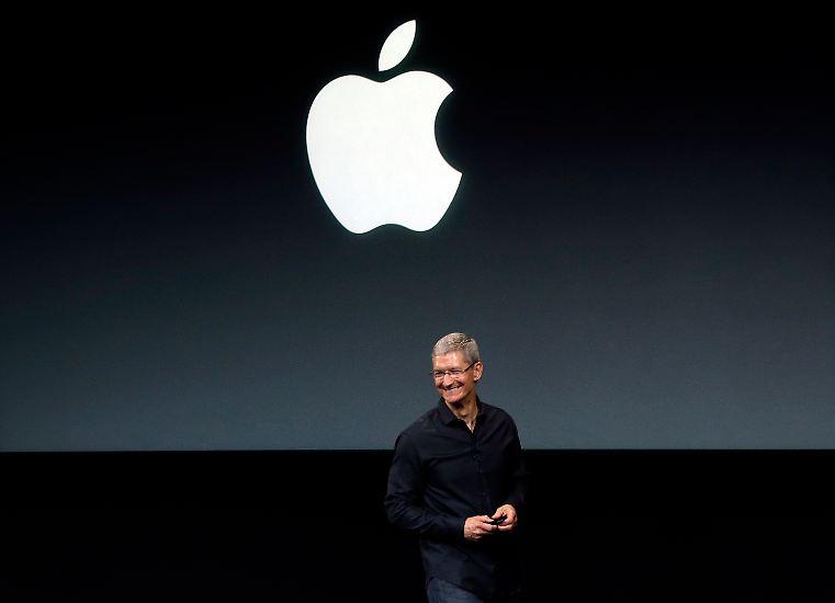 Es ist wieder soweit: Tim Cook hat etwas Neues zu zeigen in Cupertino. Apple bringt erstmals zwei verschiedene neue Modelle seines iPhones gleichzeitig auf den Markt.