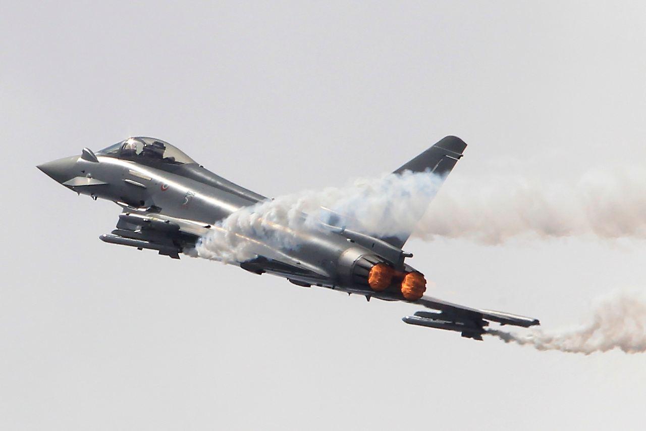 jagdflugzeug einfach zeichnen, konzernumbau in der rüstungsbranche: eads fürchtet um den, Design ideen