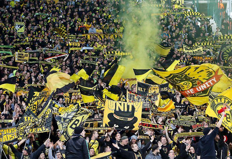 Die Ausgangslage war denkbar klar für Borussia Dortmund vor dem letzten Gruppenspiel in der Champions League gegen Olympique Marseille: Ein Sieg, und das Achtelfinale ist sicher.