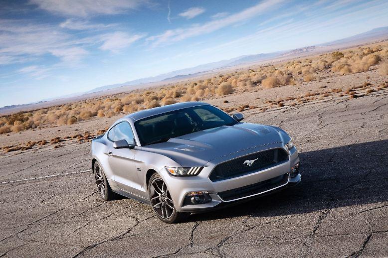 Ein neuer Mustang ist für US-Amerikaner auch nach 50 Jahren ein Ereignis nationaler Bedeutung, weit wichtiger noch als in Deutschland ein Modellwechsel des Volkswagen-Golfs.