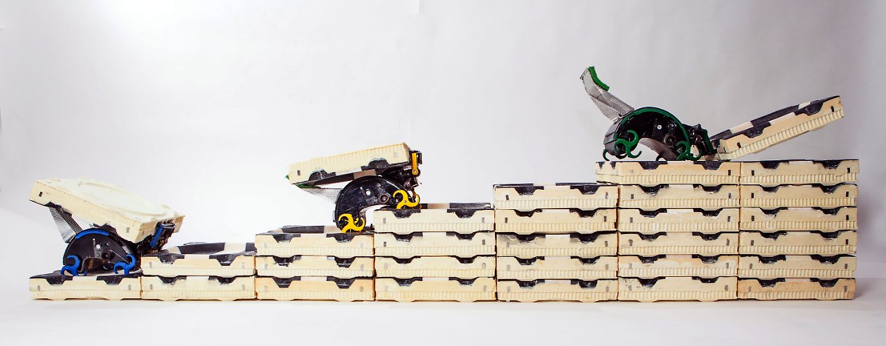 autonome automaten roboter bauen komplexe bauten n. Black Bedroom Furniture Sets. Home Design Ideas