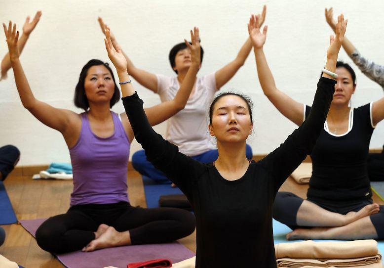 Yoga ist eine Praxis, bei der Körper, Geist und Seele in Einklang gebracht werden sollen.