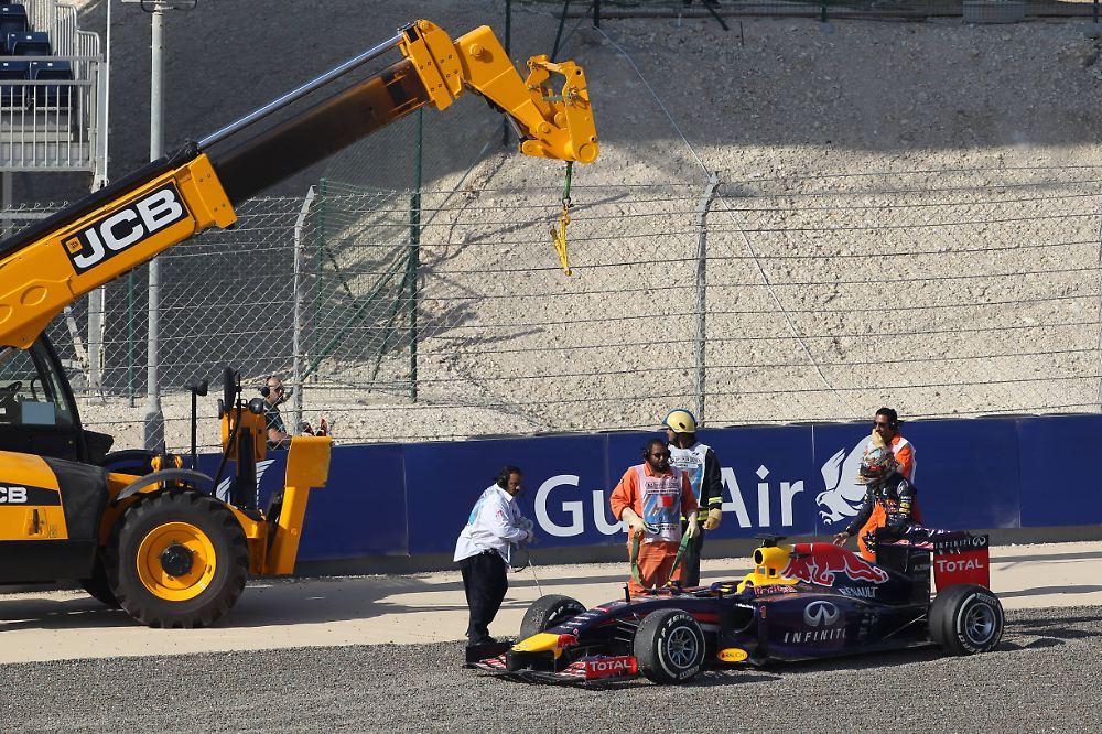 formel 1 qualifying in bahrain rosberg rast zur pole. Black Bedroom Furniture Sets. Home Design Ideas