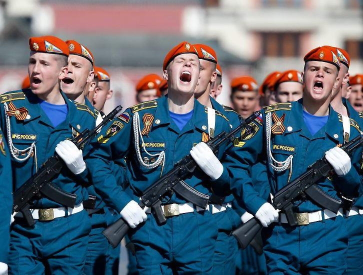 Den Tag des Sieges lässt sich Russland jedes Jahr eine Menge kosten. Zehntausende Soldaten, ...