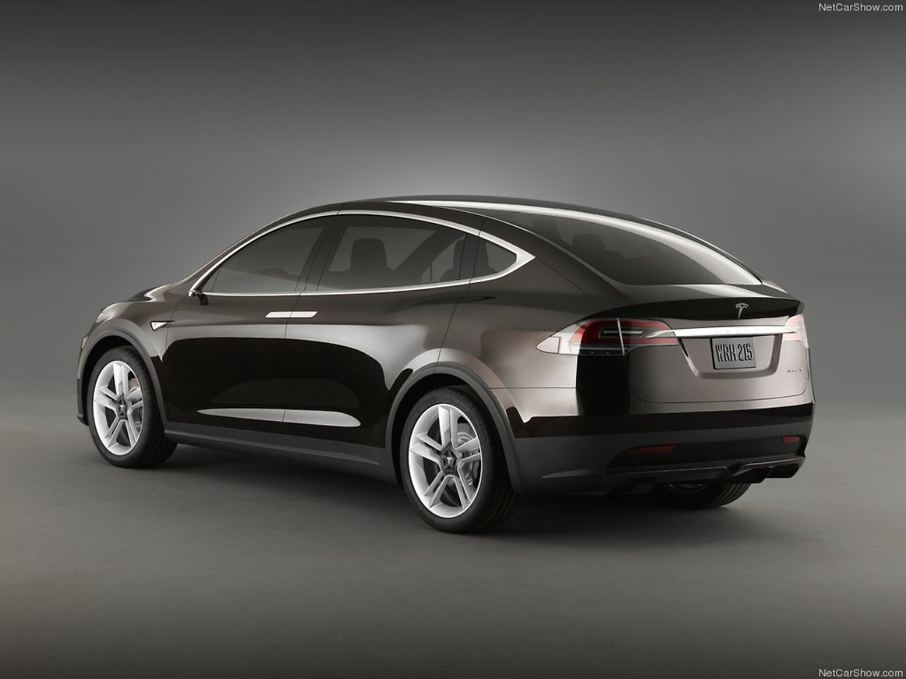 elektro suv mit fl gelt ren teslas model x wird frauenversteher n. Black Bedroom Furniture Sets. Home Design Ideas