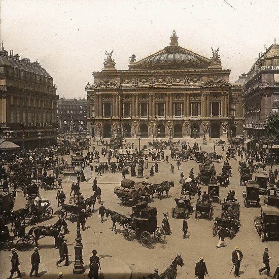 Der Film von Nikolai Vialkowitsch zeigt einzigartige Bilder aus der Zeit unmittelbar vor Ausbruch des Ersten Weltkrieges am 28. Juli 1914, ... (im Bild: Pariser Oper)