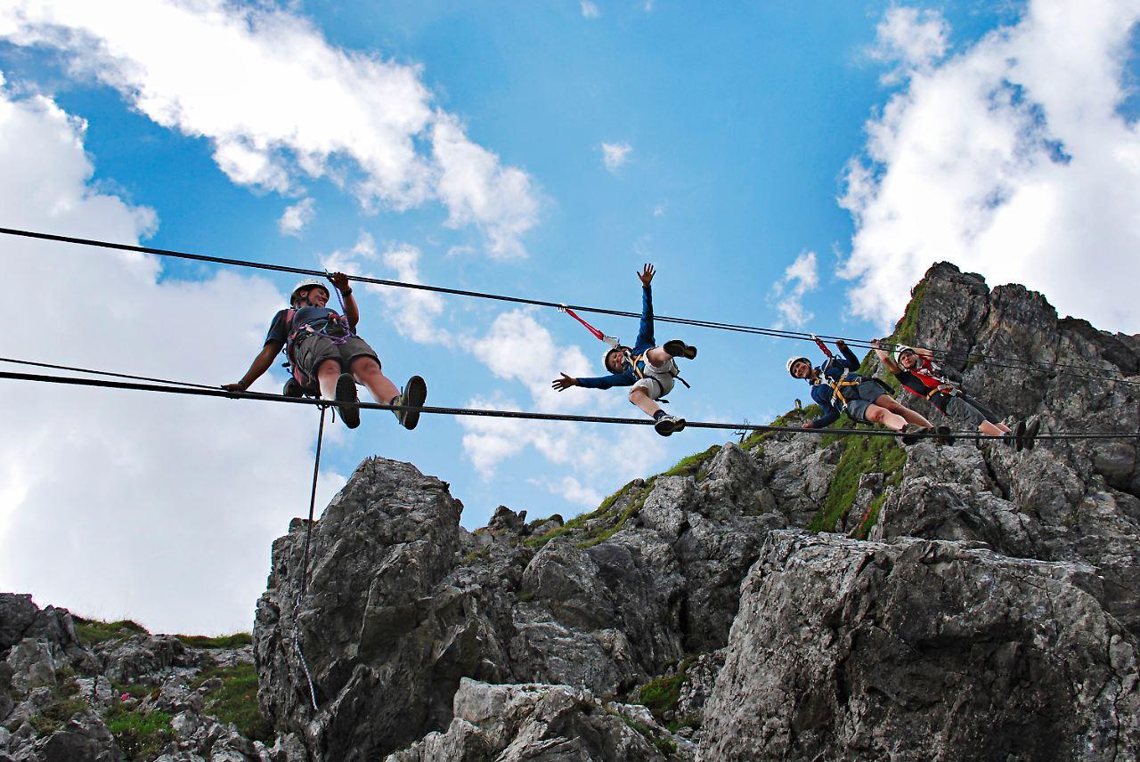 Klettersteig Kanzelwand : Zweiländer klettersteig kanzelwand youtube