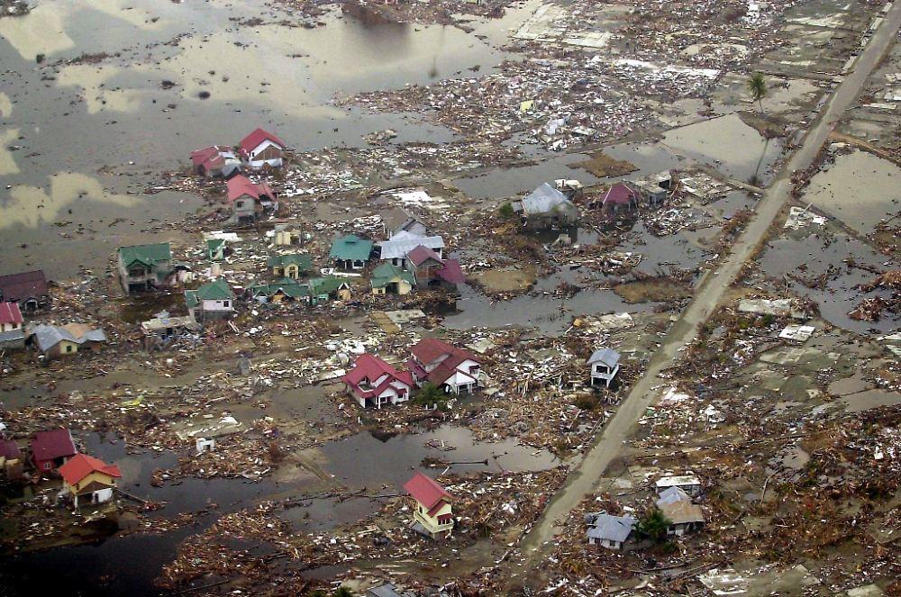 zehn jahre nach dem tsunami als die todeswelle kam n. Black Bedroom Furniture Sets. Home Design Ideas