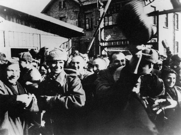 Es ist Samstag, der 27. Januar 1945, als die ersten sowjetischen Soldaten nach Auschwitz kommen.