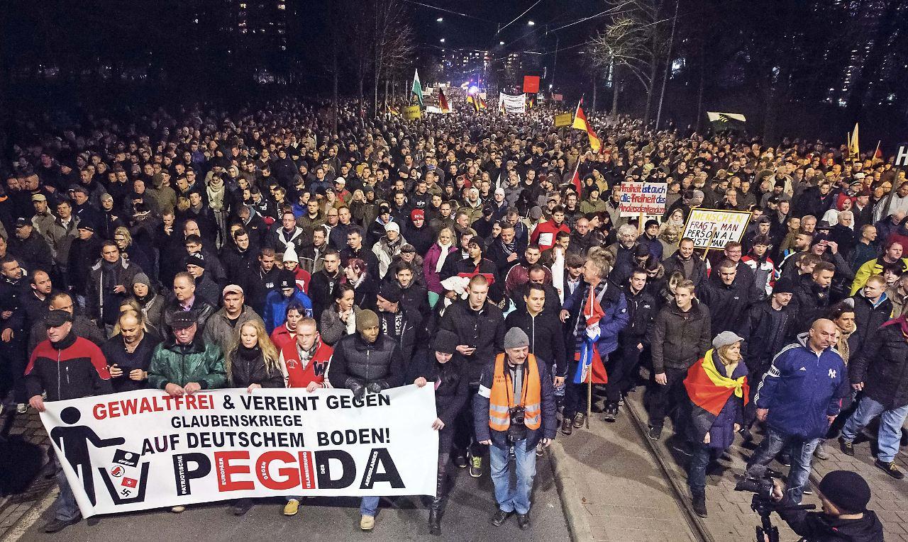 Antrag in Dresden: Pegida will gemeinnützig werden - n-tv.de  Antrag in Dresd...