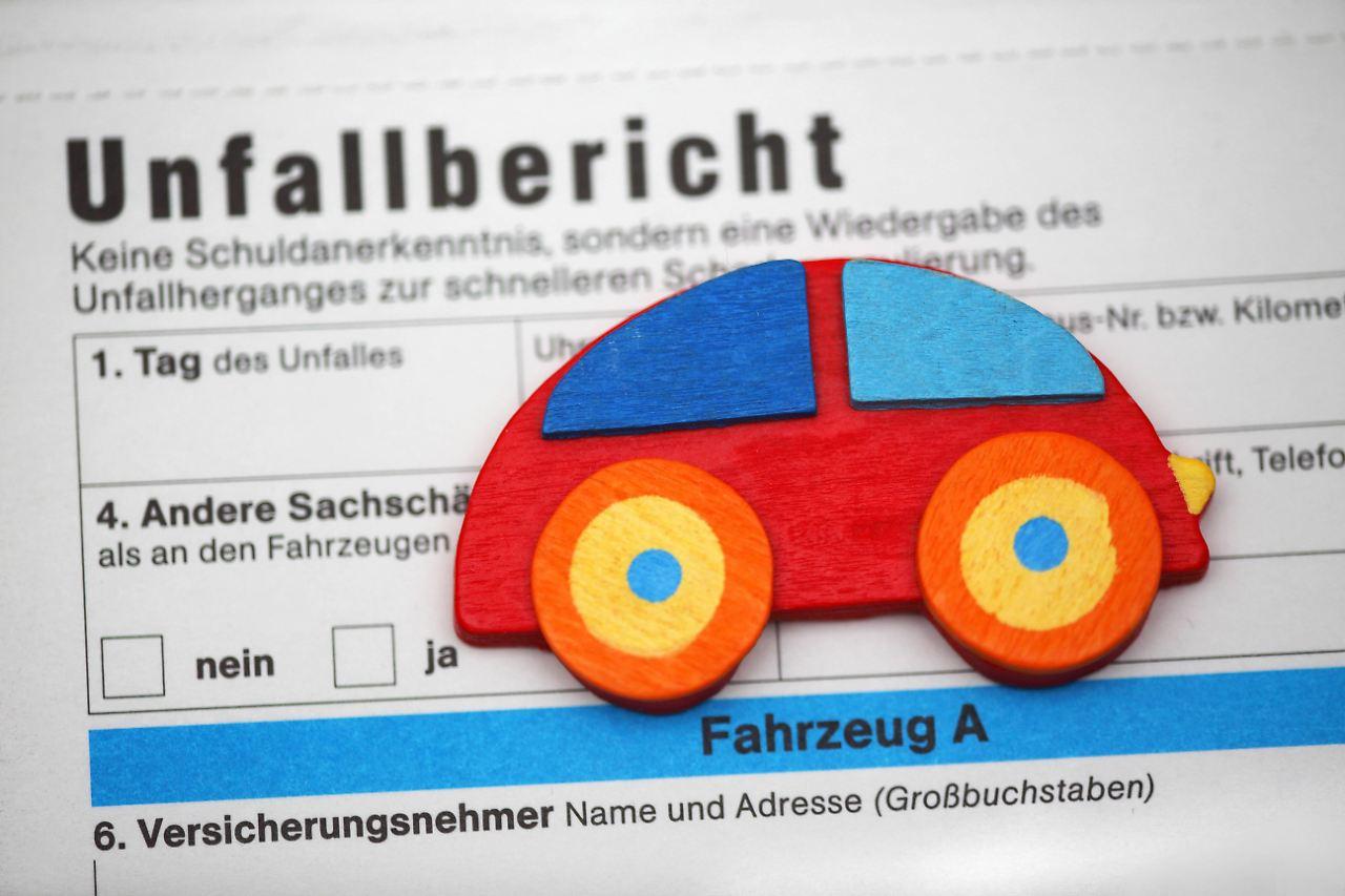 Fantastisch Kostenloser Unfallbericht Galerie - Die Besten ...