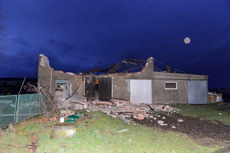In der Region Wielkopolska etwa werden mehrere Häuser zerstört.