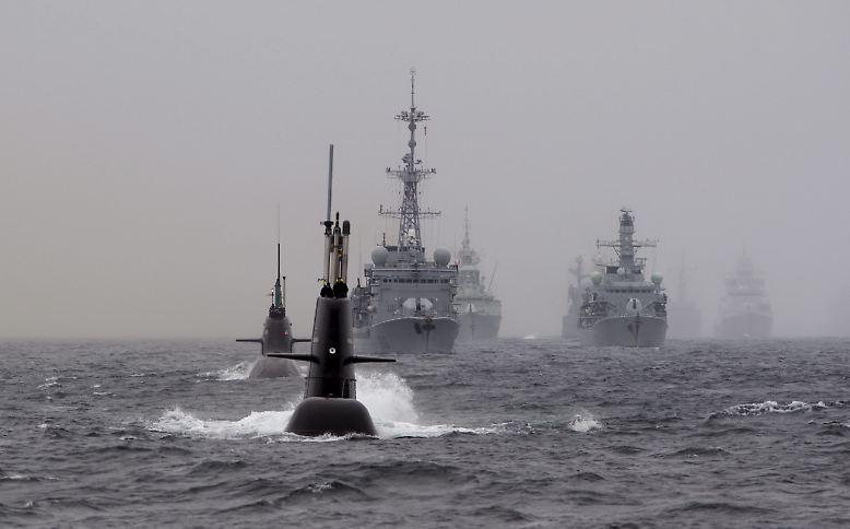 Es ist eine Jagdveranstaltung mit millionenteurer Hightech-Ausstattung: In den unwirtlichen Gewässern vor der norwegischen Küste lädt der Nordatlantikpakt einmal im Jahr zu einer groß angelegten Militärübung auf hoher See.