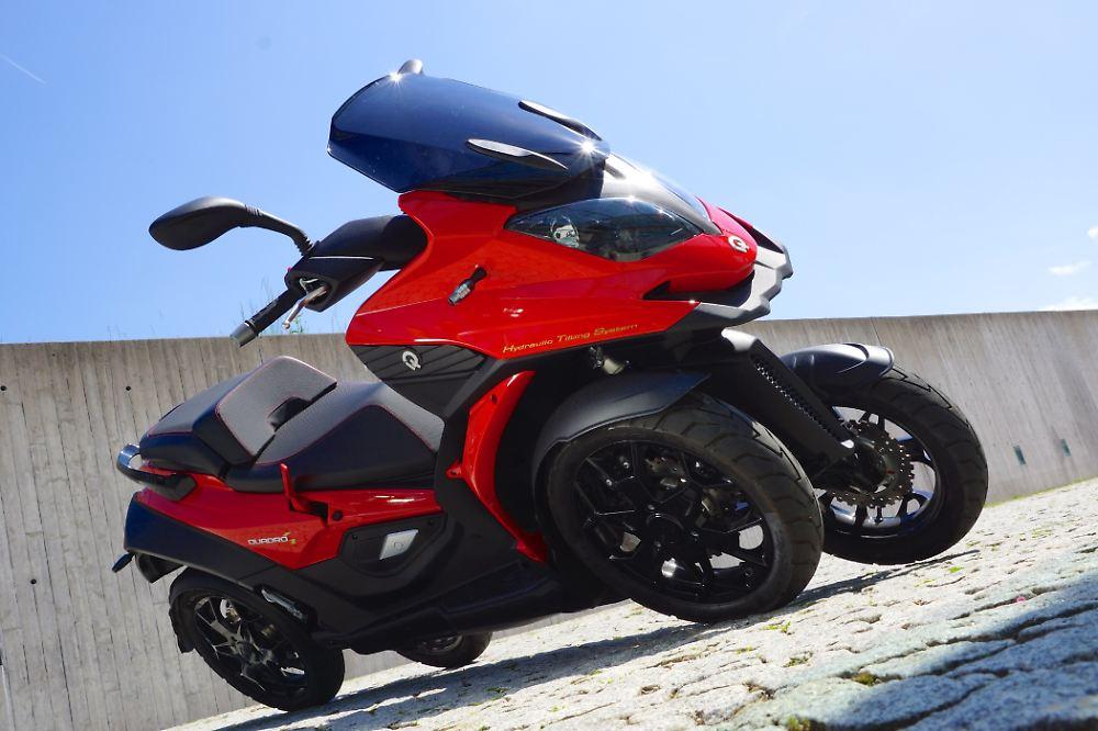 vorne auto hinten motorrad einziger vierrad roller der. Black Bedroom Furniture Sets. Home Design Ideas