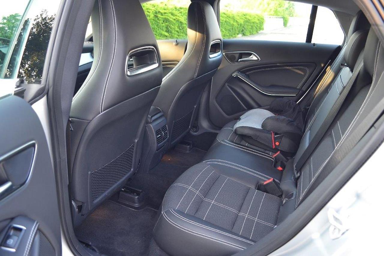 kompakter kombi sportlicher stil cla 250 shooting brake. Black Bedroom Furniture Sets. Home Design Ideas