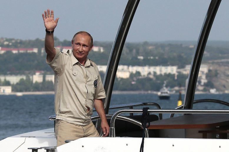 Es ist Sommer in Russland und Präsident Wladimir Putin macht einen Ausflug.