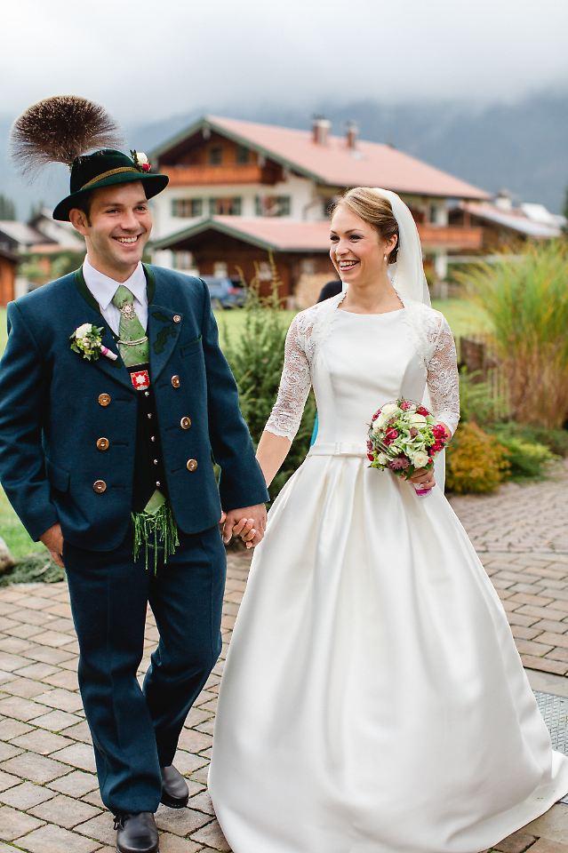 biathlon star im ehegl ck magdalena neuner heiratet. Black Bedroom Furniture Sets. Home Design Ideas