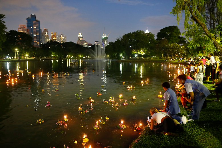 Floße voller Sünden und Sorgen: Thailand feiert ... - photo#24