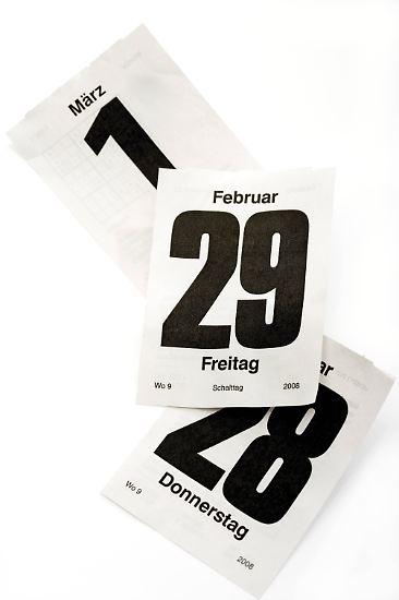 Alle vier Jahre wird vor dem 1. März ein zusätzlicher Tag ins Jahr eingefügt: der 29. Februar. 2016 ist ein solches Schaltjahr, 2020, 2024, 2028 ...