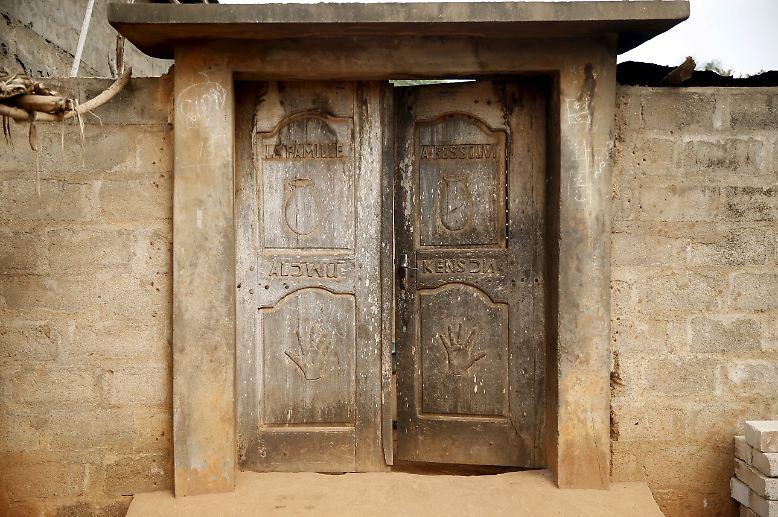 Jedes Jahr im Januar treffen sich in Ouidah, einer kleinen Stadt in Benin, Festivalbesucher aus nah und fern zum Voodoo.