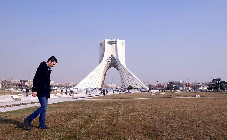 Das Azadi-Freiheitsturm ist das Wahrzeichen von Teheran.