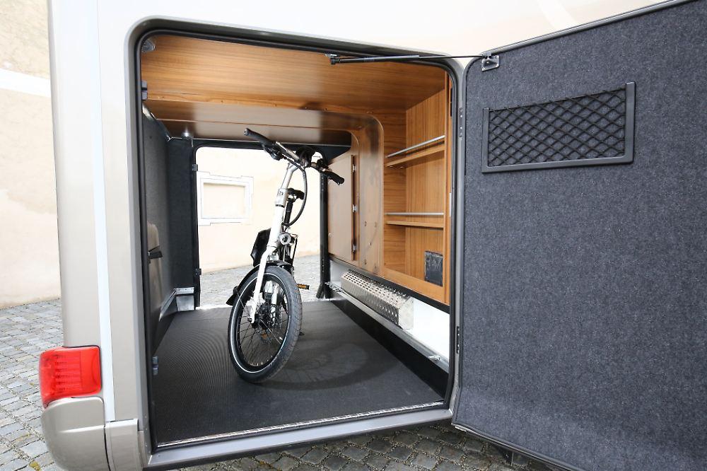 neues wohnmobil von hymer die schwere leichtigkeit der b. Black Bedroom Furniture Sets. Home Design Ideas